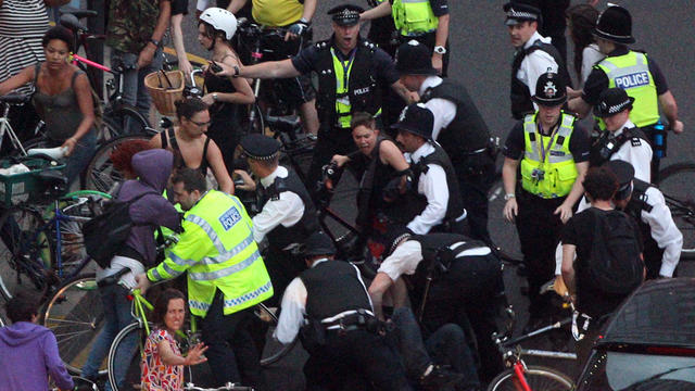 London_arrests_AP120727118032.jpg