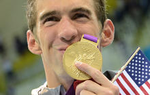 Michael Phelps breaks Olympic medal record
