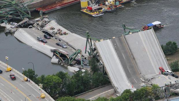 070804-Minnesota_bridge_collapse-75964158.jpg