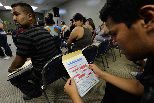 Young illegal immigrants apply for Obama reprieve