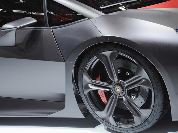 Lamborghini-Sesto-Elemento-front-wheel.jpg