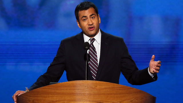Kal Penn pokes fun at Clint Eastwood's RNC speech