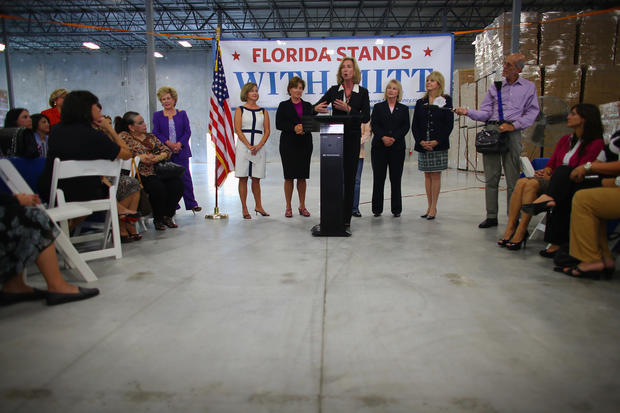 """""""Women For Mitt"""" launch bus tour"""