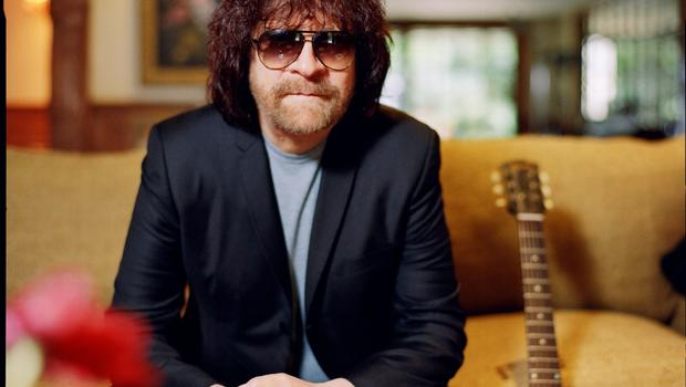 ELO and Jeff Lynne still sailing on 40 years and counting - CBS News
