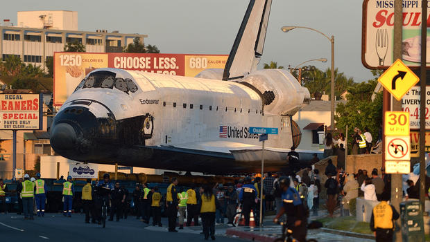 endeavour resumes oh so slow roll to last stop cbs news