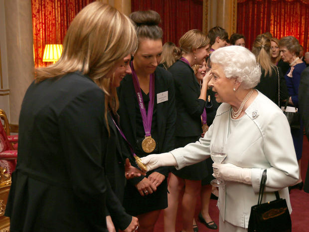 Queen, Kate meet Olympic and Paralympic medalists