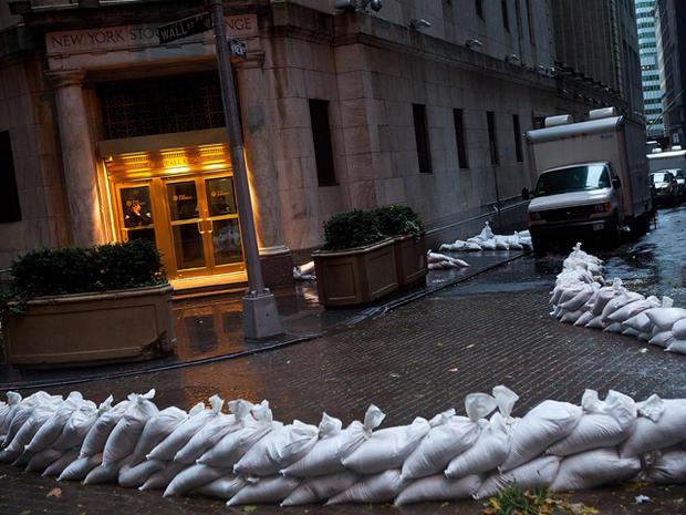 Sandy-arrives-Wall-STreet.jpg