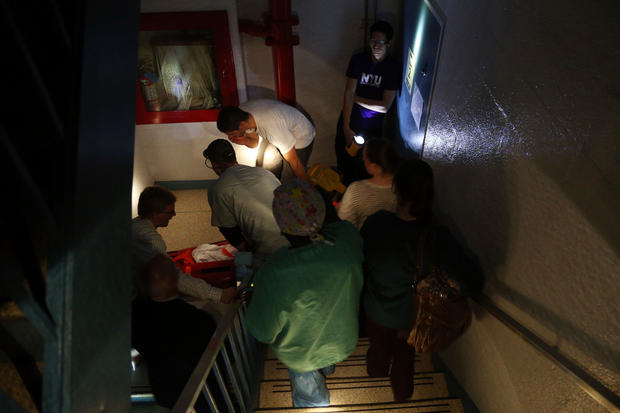 NYC hospitals evacuated for superstorm - Photo 21 - Pictures - CBS News