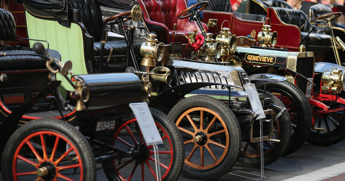 Classic car rally in London - Photo 2 - Pictures - CBS News