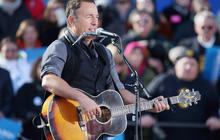Bruce Springsteen opens for Obama in Madison, Wis.