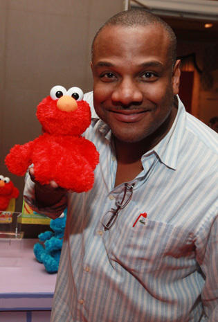 Elmo puppeteer resigns amid sex allegations