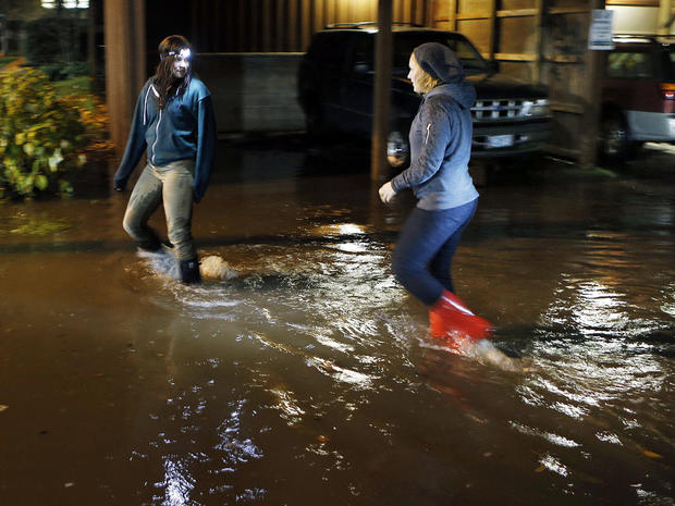 Heavy storm slams Pacific Northwest