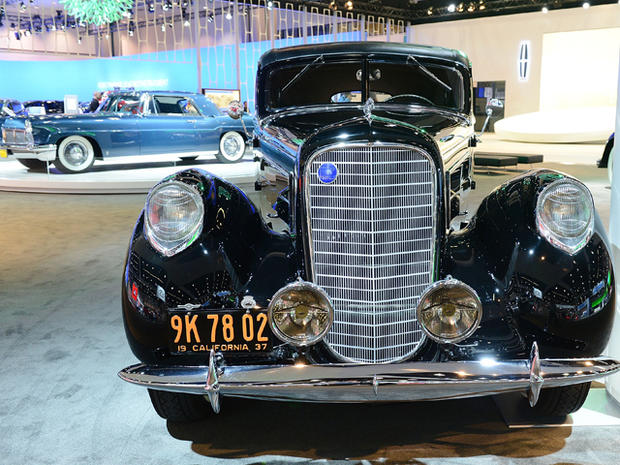 Lincoln-Derham-Sport-Sedan-in-LA.jpg