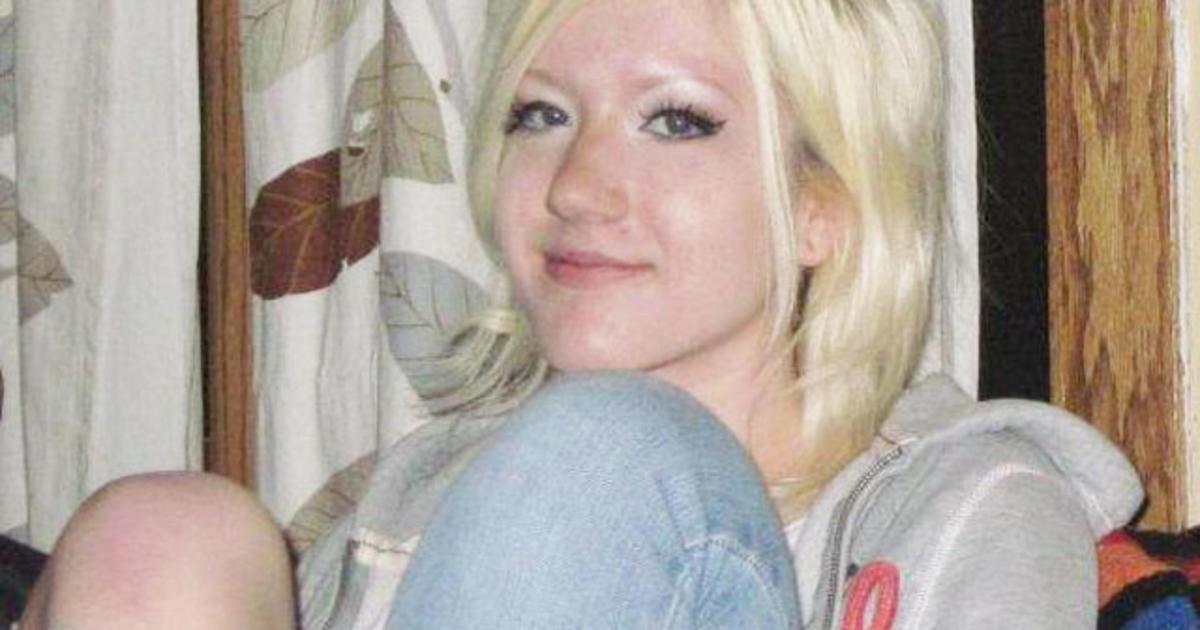 Teen model missing in Colorado - CBS News