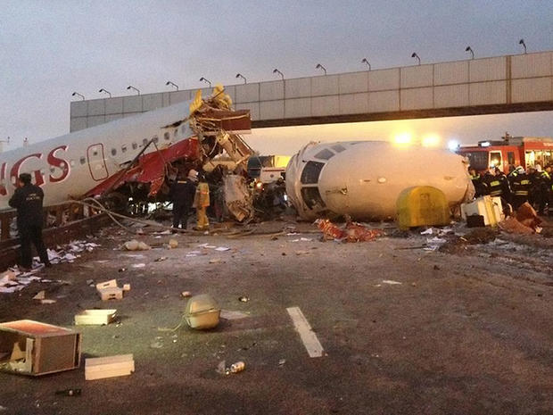 Plane crash in Moscow kills 4