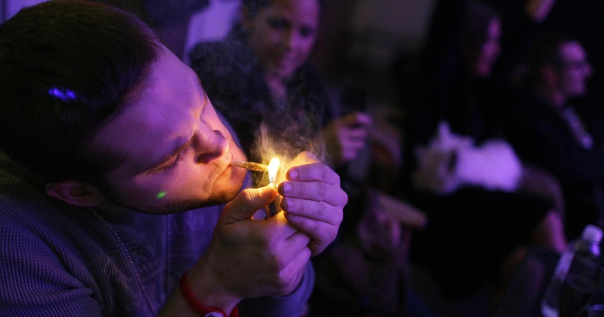 Smoking marijuana linked to lower diabetes risk in study