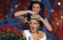 Miss New York is crowned Miss America