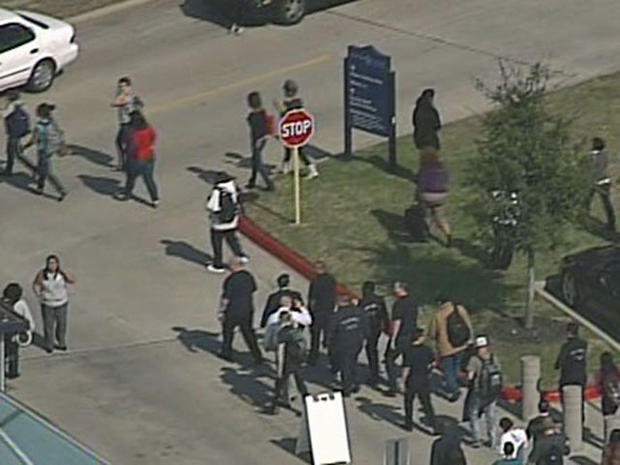 Cops: Multiple people shot at Texas college
