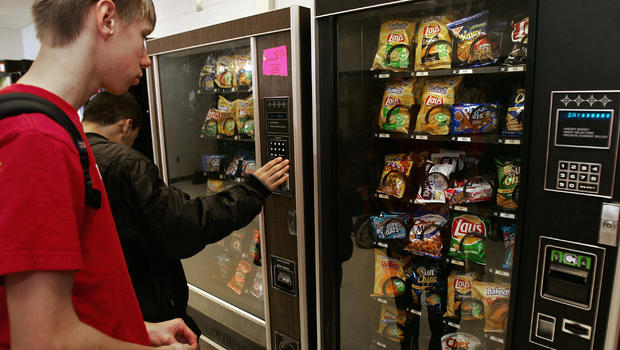 Calorie Info Coming To Vending Machines Cbs News