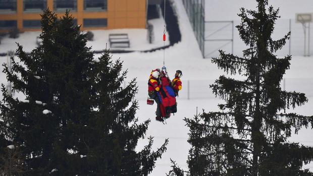 Lindsey Vonn air-lifted after ski crash