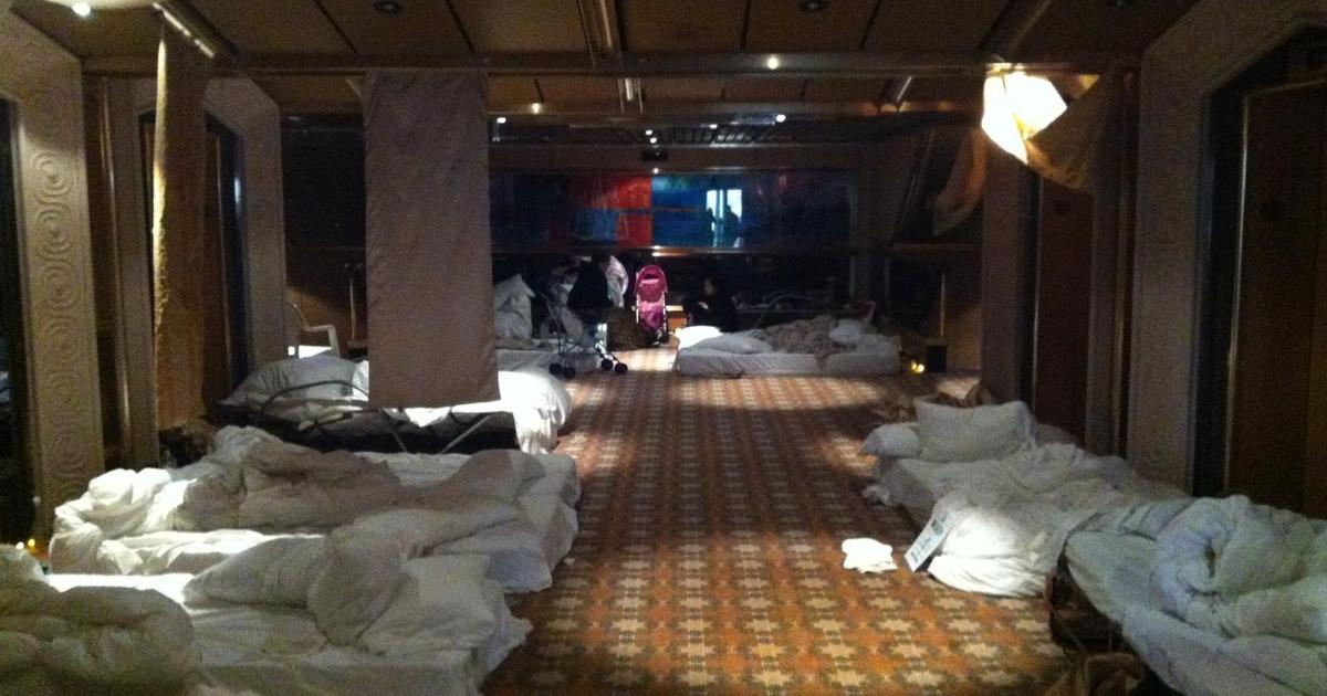 Aboard The Carnival Triumph Cruise Ship Photo 1 Pictures Cbs News