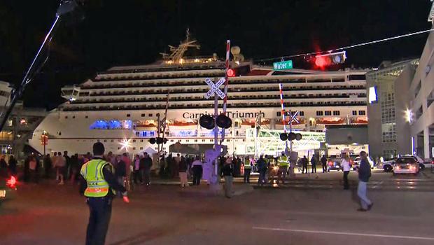 Crippled cruise ship finally docks in Alabama