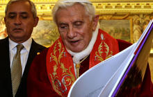 """Pope to hear report on """"Vatileaks"""" scandal"""