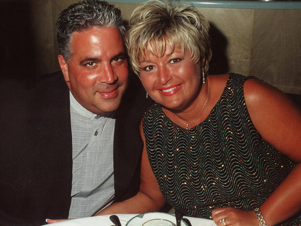 """48 Hours"": Inside the life of Tina and Joe Caronna"