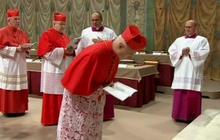 Cardinals enter second day of papal conclave
