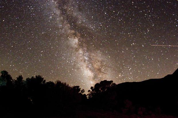 15_Mahogany_Flats_Death_Valley_Milky_Way_v2.jpg