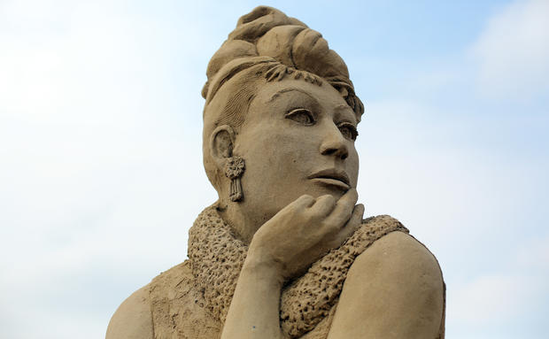 Sandy sculptures of Hollywood greats