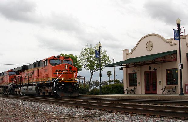 Corcoran_CA_Amtrak_station.jpg