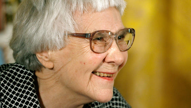 an analysis of the themes in the novel to kill a mockingbird by harper lee Topics dealing with harper lee's novel, to kill a mockingbird (1960) body- your body paragraphs should clearly pose and answer the questions and themes.