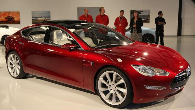 Will electric cars ever become mainstream? - CBS News