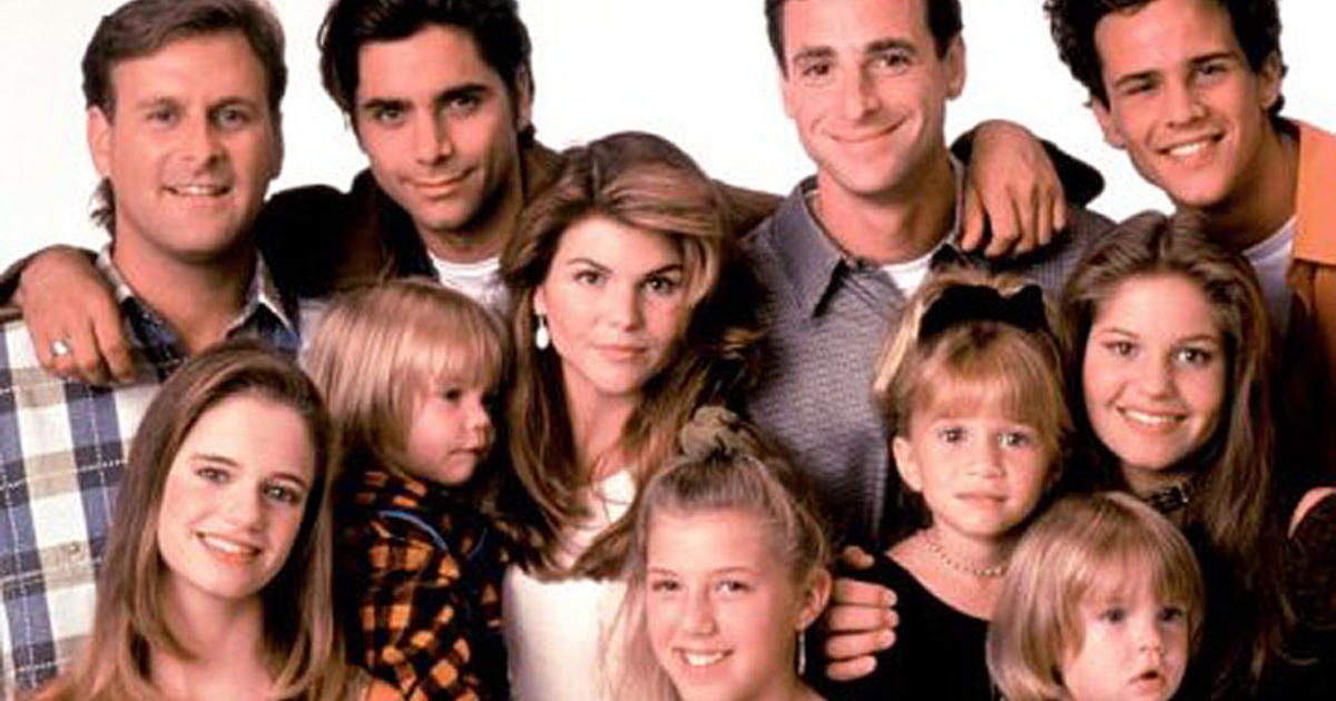 Full house fuller house then and now pictures for Classic house voices