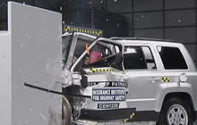Tough crash test exposing flaws in SUVs: safety experts