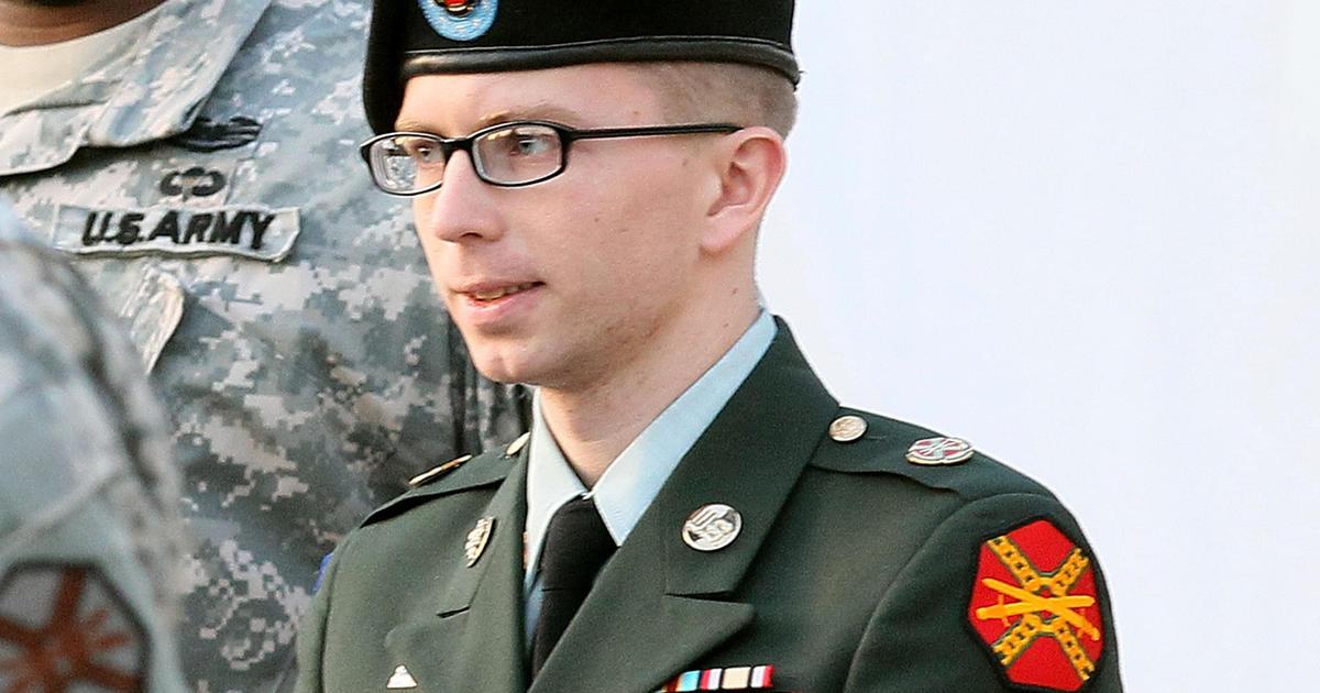 Verdict near in Bradley Manning trial - CBS News