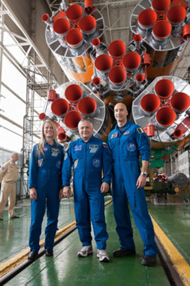 crew_rocket1.jpg