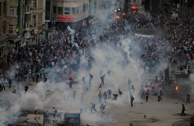Massive protests continue in Turkey