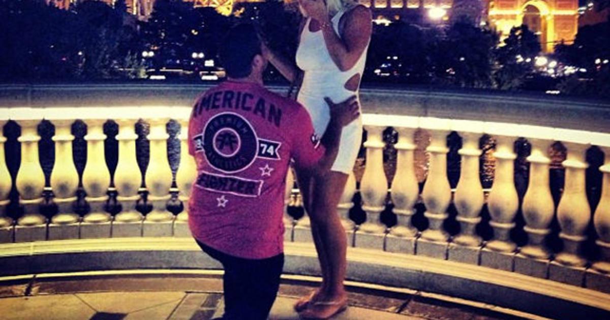 Brooke Hogan dating Dallas cowboy
