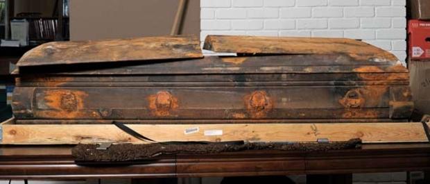 LHO_casket_107595994.jpg