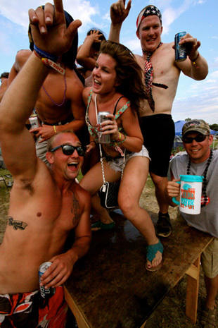 Summer music fests: Heavy metal, country