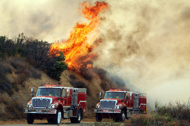 California fire continues to spread