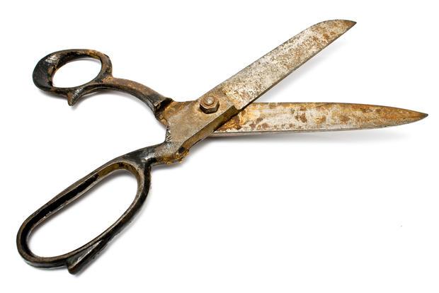 rusty_scissors.jpg