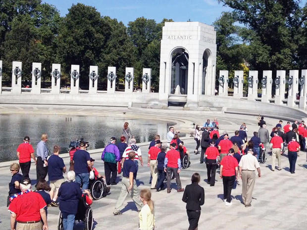Benjamin Joyner arrived at the World War II memorial with a group of 90 other veterans.