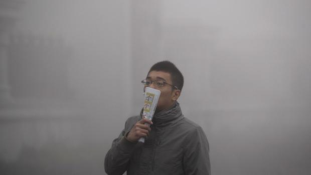 Smoggy fog envelops China