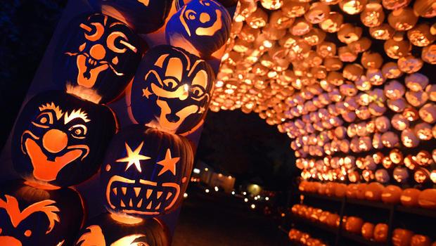 How does Sleepy Hollow celebrate Halloween? - CBS News
