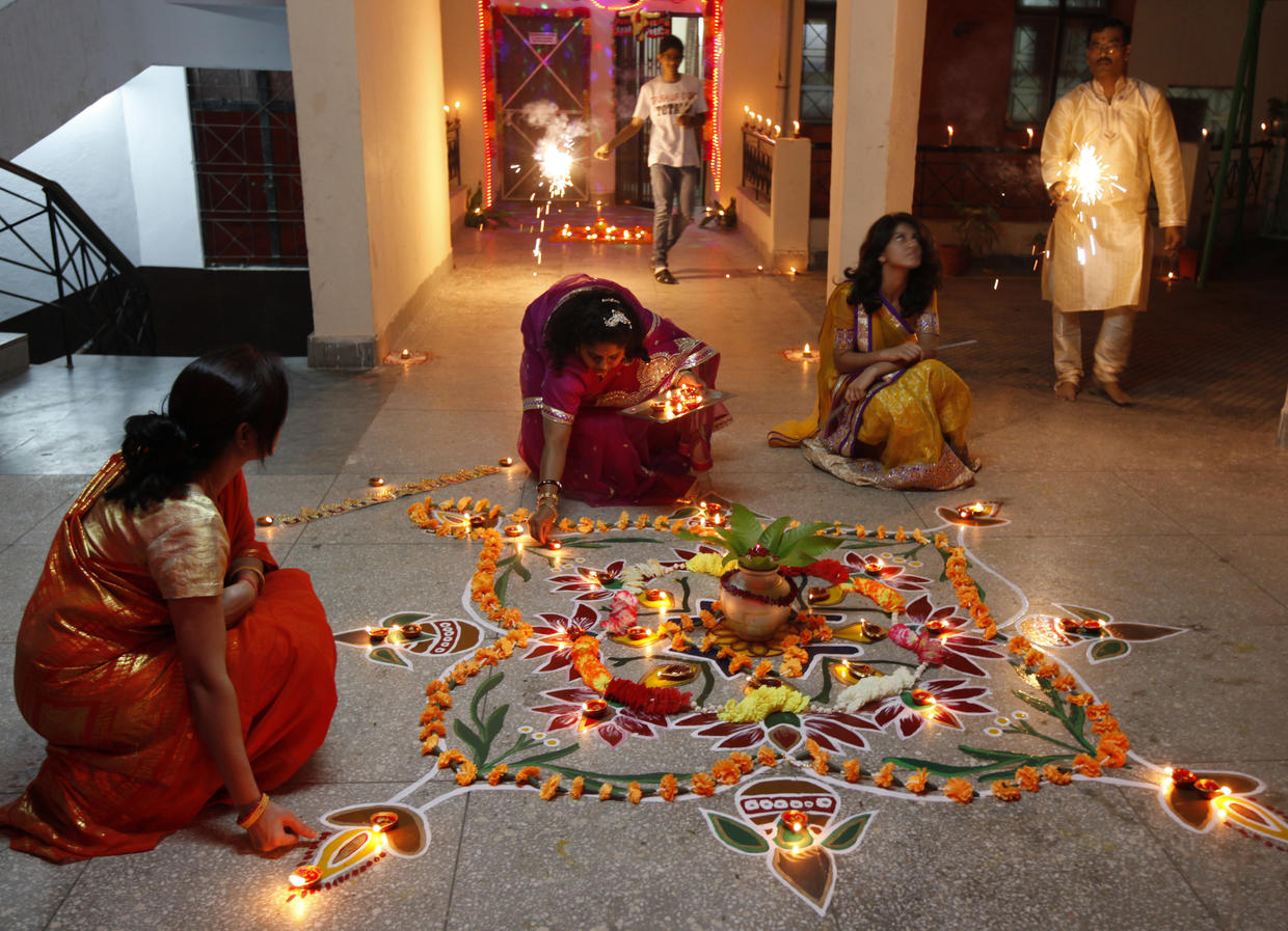 essay on diwali festival in india Diwali essay - 2 (250 words) india is the great country known as the land of festivals one of the famous and most celebrated festival is diwali is the most significant hindu festival celebrated all over the india in the autumn season every year the spiritual significance of this festival indicates the.