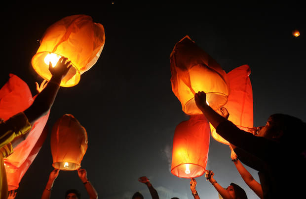 Hindus celebrate festival of light