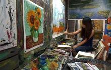 Counterfeit paintings from China flooding the market